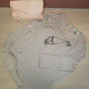 ⭐4/25⭐Old Navy Key Hole Sheer Long Sleeve Blouse